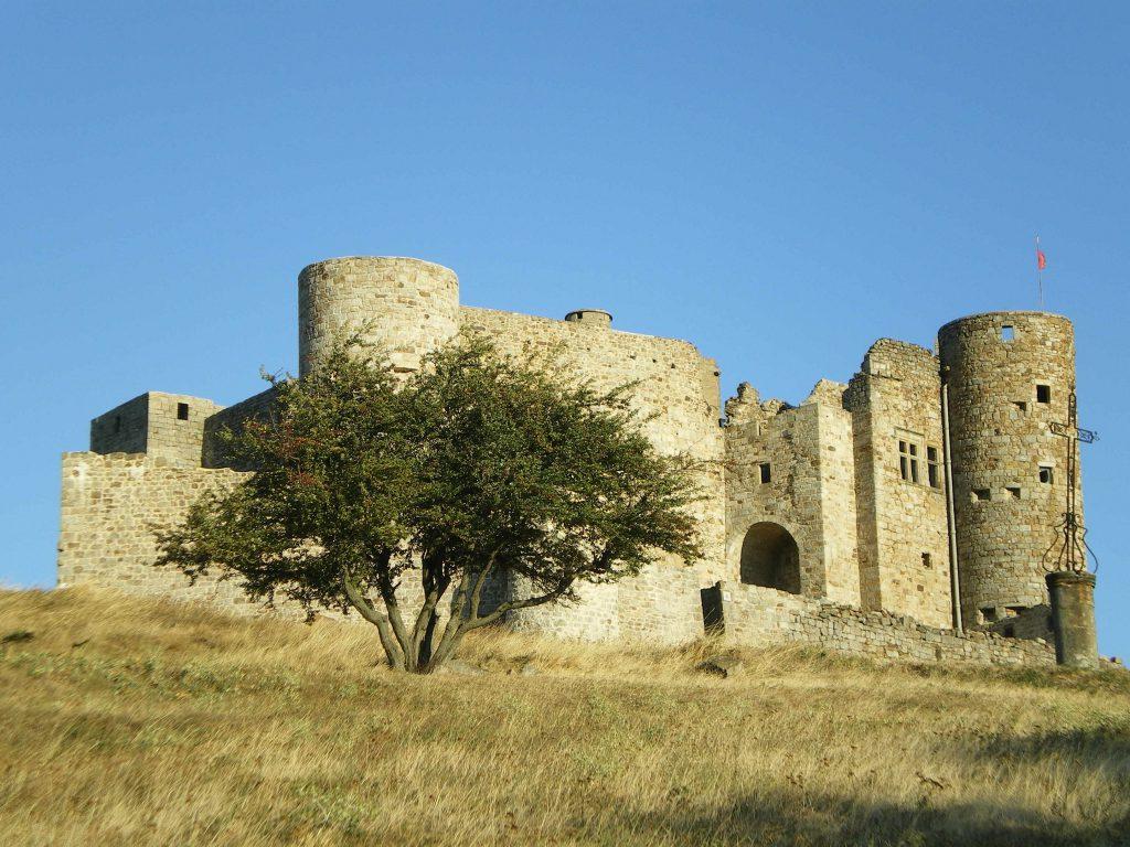L'attribut alt de cette image est vide, son nom de fichier est château-de-Portes-2-1024x768.jpg.